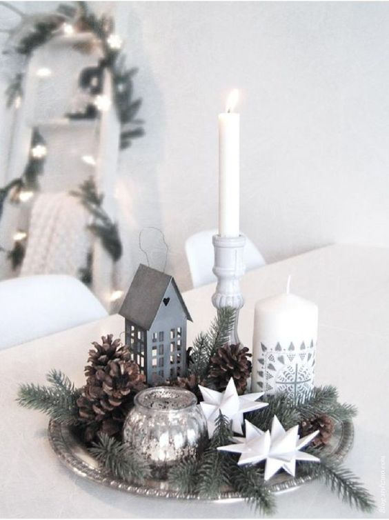 christmas arrangement with a plate or tray with christmas pins
