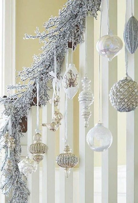 ideas for decorating stairs with spheres at christmas