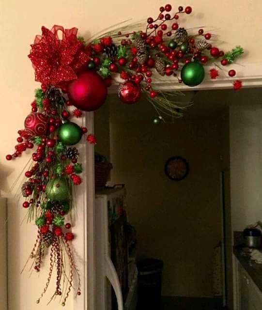 red balls to decorate Christmas garlands at Christmas