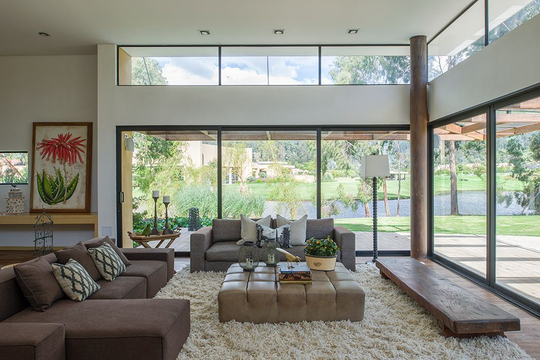 Floor-to-ceiling window designs for living rooms